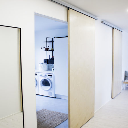 Sliding door systems for interior doors up to 100 kg weight capacity